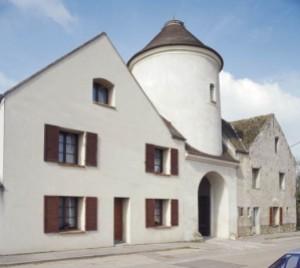DCPF 77 PA 004 Pigeonnier Porche du château de Sannois à Annet sur Marne 05
